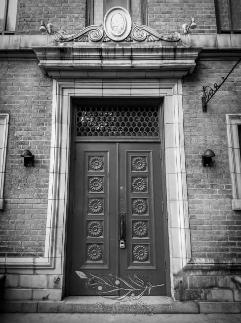 BW Door